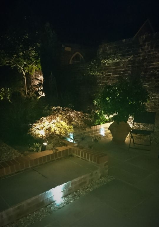 Courtyard lighting