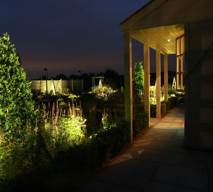 Garden pavillion lighting